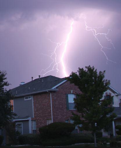 lightning-house-pic